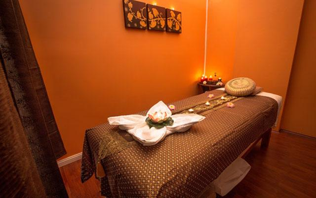Putahraksa Thai Massage Treatment Room